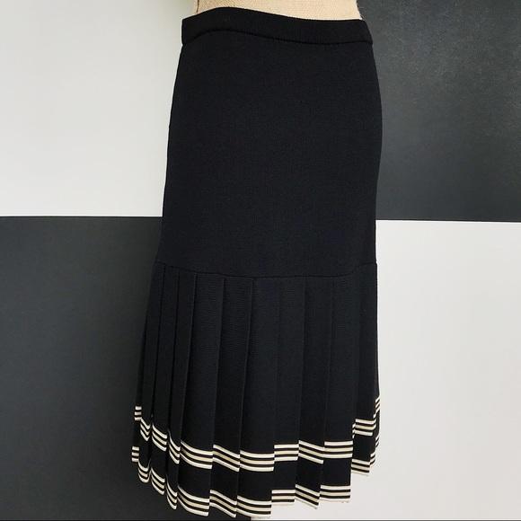 St. John Dresses & Skirts - St. John Black & Gold Pleated Cheerleader Skirt